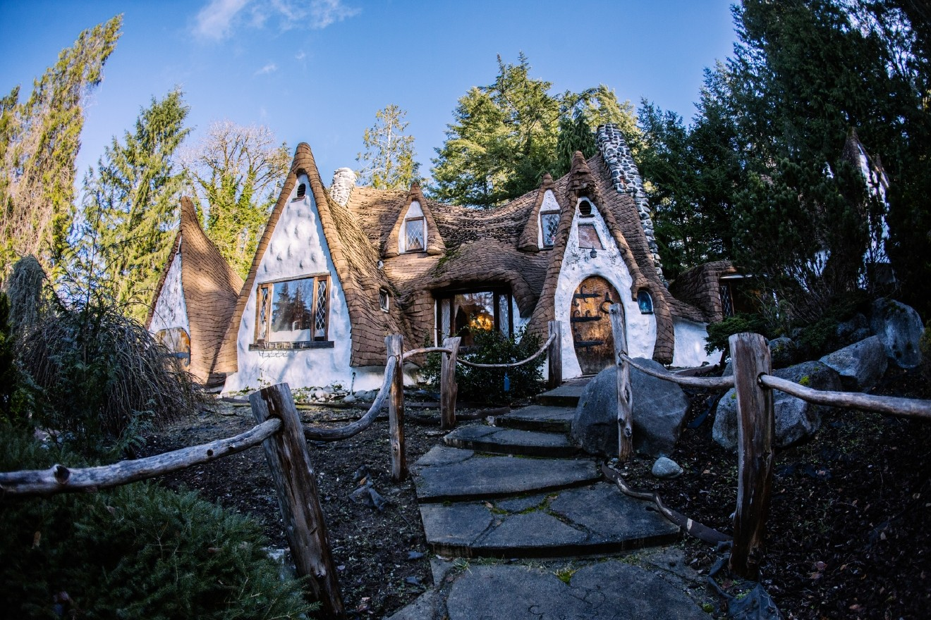 It S Been Almost A Year Since We Visited The Real Life Snow White Cottage